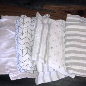 5 swaddle blankets for baby